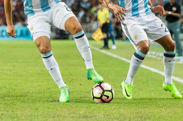 Pateando Bolas por Dinero en Argentina
